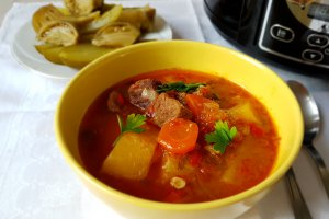 Gulas de vita la slow cooker Crock-Pot