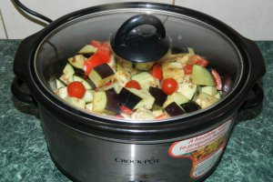 Mancare de vinete bulgareasca la slow cooker Crock-Pot